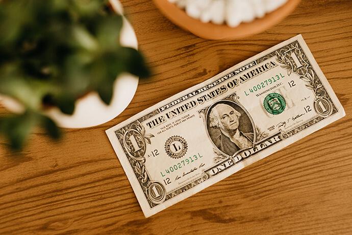 當舖業也會與時俱進,近年來汽、機車借款普及之後也變成兵家必爭之地,而且競爭對手不僅限於當舖業,還包括銀行、貸款公司……等。在競爭那麼激烈的情況下,大家比的就是誰的利息低,誰的借款額度高,誰的放款快速……等。那麼,汽車借款流程、機車借款流程,或是其他當鋪典當流程,就是每個人要去當舖之前最重要的事先功課了