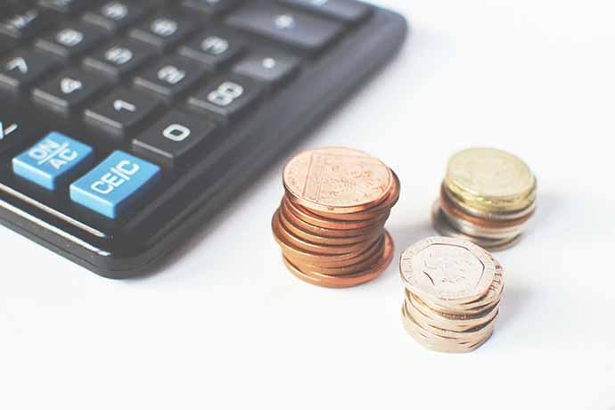 黃金自古以來就是國際通用的貴金屬,價格也持續不斷的攀升中,目前各大銀樓、保險業也都有黃金存款的服務,黃金存摺的產生更證明了黃金的影響力。黃金不僅是保值的貴金屬,當面臨急用資金的時候,黃金也會是很好的周轉方法。那麼您知道現在黃金換現金,黃金收購價是多少嗎?回收黃金有需要注意什麼嗎?就讓東興台中當舖替讀者解答。回收黃金知多…