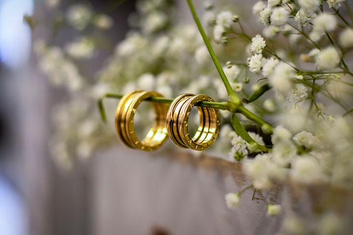 近年來全球金價快速上漲,使黃金再度成為市場的焦點,大部分的人都想知道如何將金飾回收換取現金,想將手邊不需要用的黃金賣出。依照台灣人的習俗,結婚時一定都會配戴成套的金飾,然而,這種金飾為了因應結婚場合,造型都很華麗浮誇,也因為浮誇的造型導致日常生活無法正常配戴,因應近日金價創新高,金飾回收價格也跟著攀升,部分的人逐漸萌…