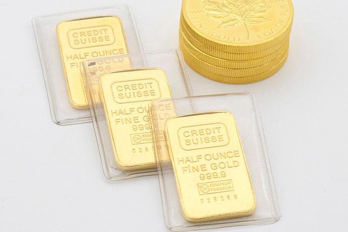 有的人喜歡收藏黃金條塊達成保值的目的,然而,在2020年金價上漲之際,辦理黃金條塊買賣的人數節節攀升。黃金是當前最受歡迎的貴金屬,最多人選擇避險標的,會如此受到歡迎的原因是因為黃金的流通性高,不管走到哪全世界都可以變現,且體積小攜帶性高。在台灣的一些傳統習俗活動,黃金更扮演著不可或缺的角色,因黃金有喜氣、富貴的象徵。…