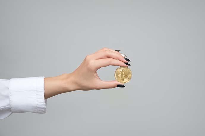 急用現金的人,在做黃金買賣時,往往因狗急跳牆而忽略了黃金買賣與黃金買賣價錢的細節。現今大家生活品質的提升,大部分的人都會買東西犒賞自己的辛勞,有的人會選擇購買黃金,因其具有保值性,因此多數人手頭上都持有黃金。然而,黃金除了可以當作有紀念價值的物品之外,當你有周轉需求時,還可以選擇賣黃金換現金或拿黃金至當舖借錢周轉。因…