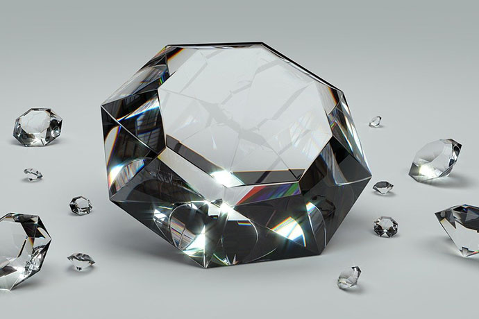 鑽石回收價格多少才合理?鑽石回收台中當舖價格怎麼估?